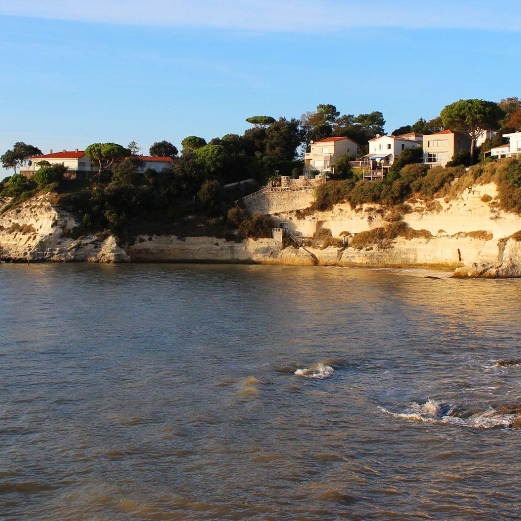 Cadet's beach in  Meschers sur Gironde